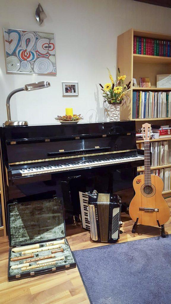 Instrumente: Klavier Flöte Akkordeon
